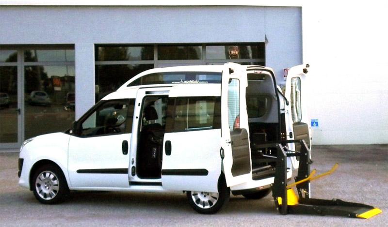 Fiat Nuovo Doblò - Pedana elettro idraulica posteriore