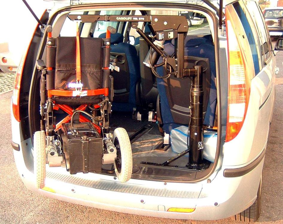 Fiat Ulysse - Gruetta carica carrozzina