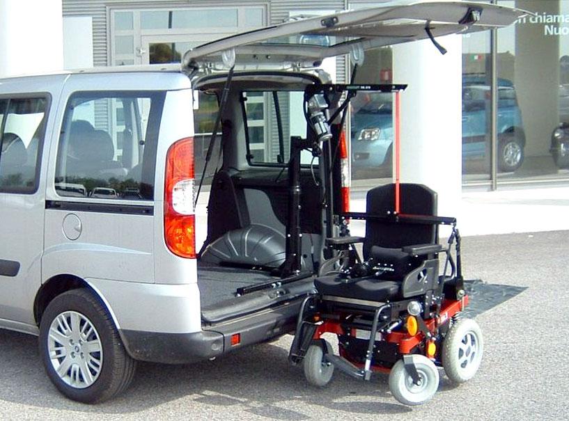Fiat Doblò - Gruetta carica carrozzina