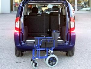 Fiat Qubo - Gruetta leggera carica carrozzina